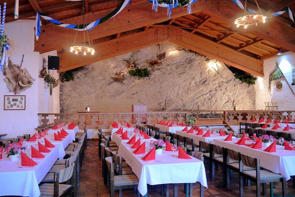 Blick zur Naturfelswand der Bayernhalle in Garmisch-Partenkirchen