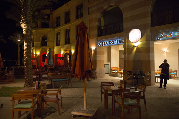 Leeres Touristen-Café in Port Ghalib