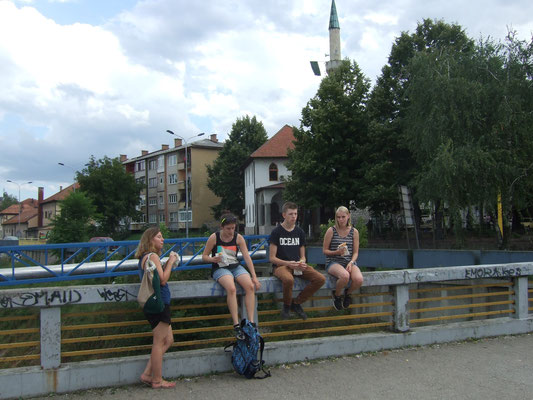 Die erste Tour durch die Stadt mit Stefanie und Selina, hier bei einem kleinen Mittagssnack
