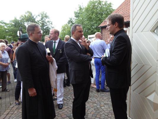 links - Pater Harald Volk, Haus Assen