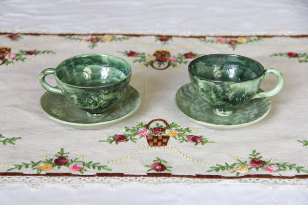 Petites tasses à thé ou café et leur coupelle