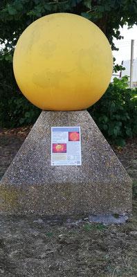 Notre étoile: le Soleil, situé à la gare de l'Avenue Verte à Neufchâtel en Bray