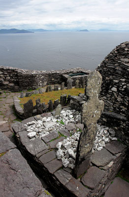 Vom 6. bis hinein ins 12. Jahrhundert war das Kloster bewohnt.