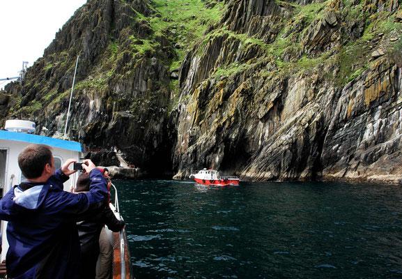 Die Mole ist in Sicht. Gleich betreten wir Skellig Michael. Bei Wellengang nicht ganz so einfach.