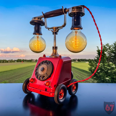 1919 Siemens & Halske Telephone upcycling light object with Märklin wheels - Jürgen Klöck - 2020