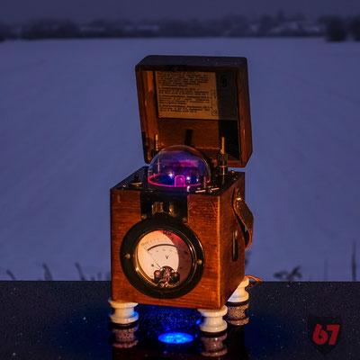 Antique Siemens & Halske Insulation meter upcycling light object - Jürgen Klöck - 2019