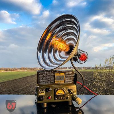Military Beta-Gamma Geigercounter and radiant heater upcycling lamp - Jürgen Klöck - 2019