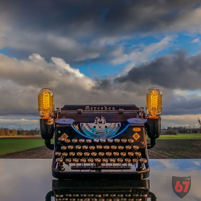Mercedes Prima typewriter upcycling lamp - Jürgen Klöck - 2018