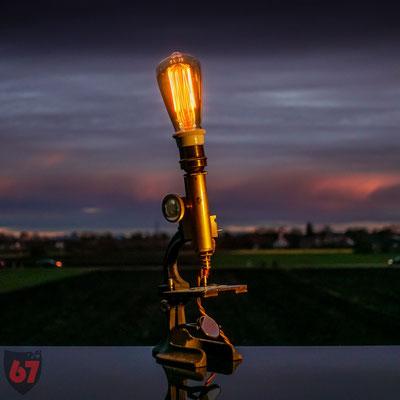 Antique microscope upcycling lamp - Jürgen Klöck - 2017