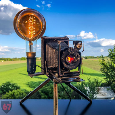 Antique folding camera with Compur shutter upcycling lamp - Jürgen Klöck - 2019