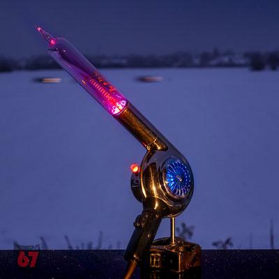 AEG hair dryer with MR04 ionization gauge upcycling light object - Jürgen Klöck - 2018