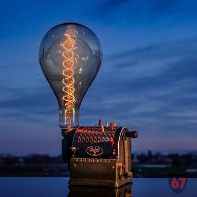 Lipsia Addi 9 mechanical calculator upcycling lamp - Jügen Klöck - 2018