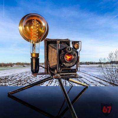 Antique folding camera with Compur shutter upcycling lamp - Jürgen Klöck - 2019