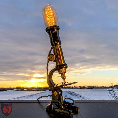 Antique brass microscope upcycling lamp - Jürgen Klöck - 2017