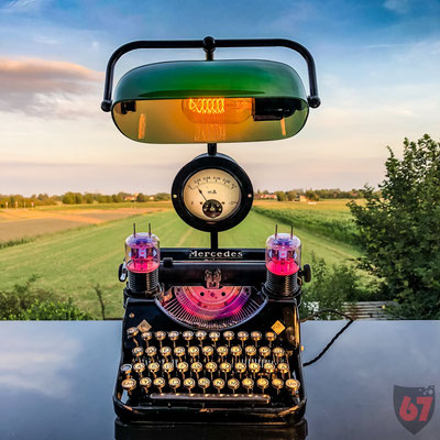 1934 Mercedes Prima Mod. 34 antique typewriter with electron tubes and Bankers Lamp - Jürgen Klöck - 2019