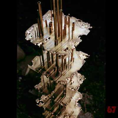 Abstract brass sculpture Isomorphe Struktur - Jürgen Klöck - 1989
