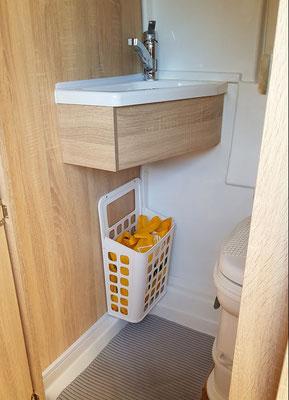 Nützlicher Aufbewahrungskorb VARIERA von IKEA im Bad für 2.99 €