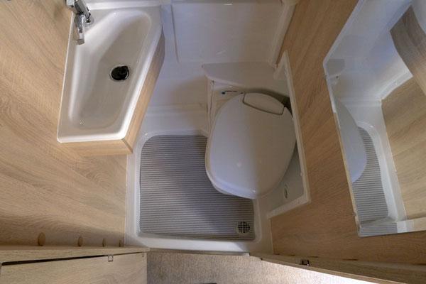 Das Bad hat recht viel Stauraum im Schrank über dem Waschbecken - hier leider nicht sichtbar!