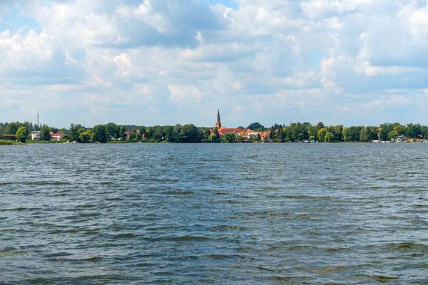 Blick vom KZ-Gelände über den Schwedtsee nach Fürstenberg a.d. Havel