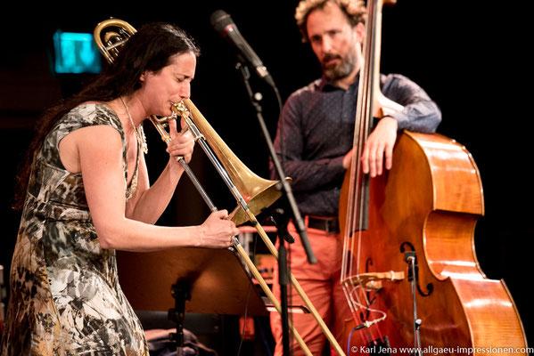 Reut Regev mit ihre Band REUT REGEV´S R*TIME im TheaterOben in Kempten