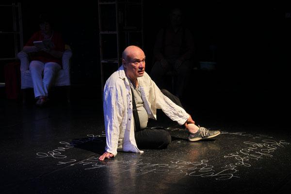 """""""Bitte wenden!"""" Seniorentheater Theater Bremen, Foto: Jörg Landsberg"""