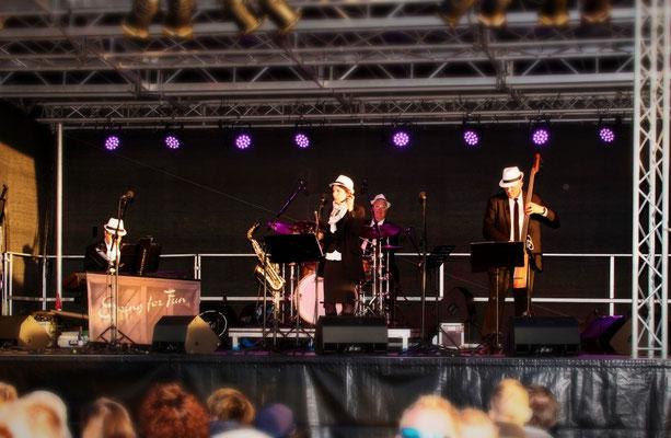 Swing for Fun beim Swing Breeze - Jazzfest am Hafen Ribnitz Damgarten