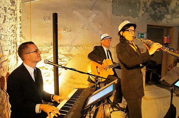 Baustellenparty der  Ingenieurgesellschaft Dr. Apitz mbH mit Jazzmusik in Schwerin