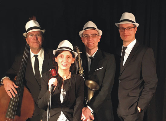 Jazzband / Jazzquartett, Sängerin + Saxophon + Klavier + Kontrabass
