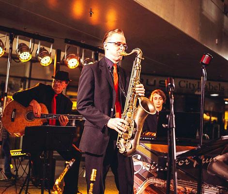 flotte Jazzmusik zum Jubiläum der Galerie Rostocker Hof