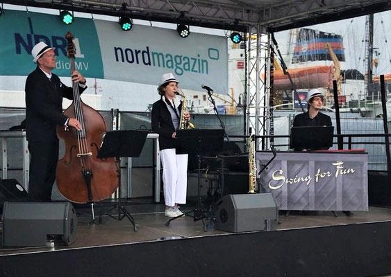 Chilliger Jazz auf der NDR-Bühne zur Hanse Sail Rostock