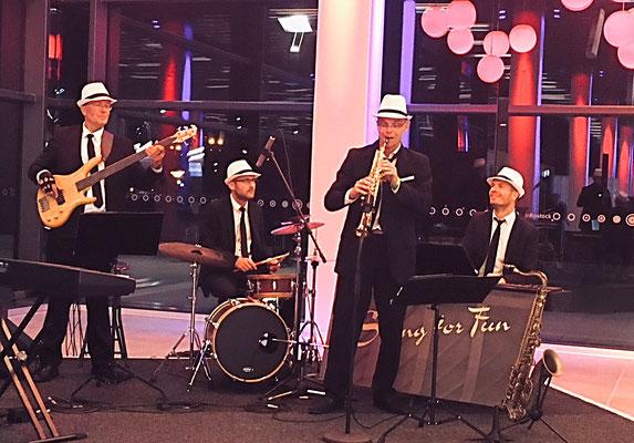 Jazz Band / Jazz Quartett, Saxophonist + Pianist + Bassist + Schlagzeuger in der Stadthalle Rostock