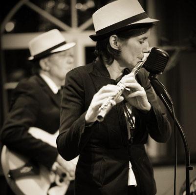 Jazzduo Swing for Fun bei der Zingster Musiknacht mit Flötistin Anne-Wiebke Willsch und Jens Rosengarten, Gitarre