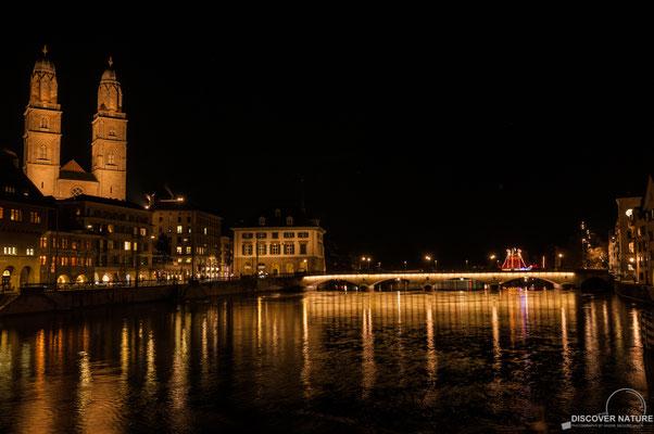 Zürich by Night_Limmatquai Richtung See