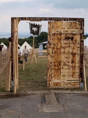 Tor zur Stadt vom Dorf der Stämme - Drachenfest 2010