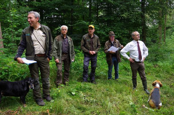 Thomas Venus (Betriebsleiter), Stefan Kolonko (Vorsitzender ÖJV-Schwaben), Matthias Kieninger (Revierleiter), Meinhard  Süß (Laudator) und Wolfgang Kornder