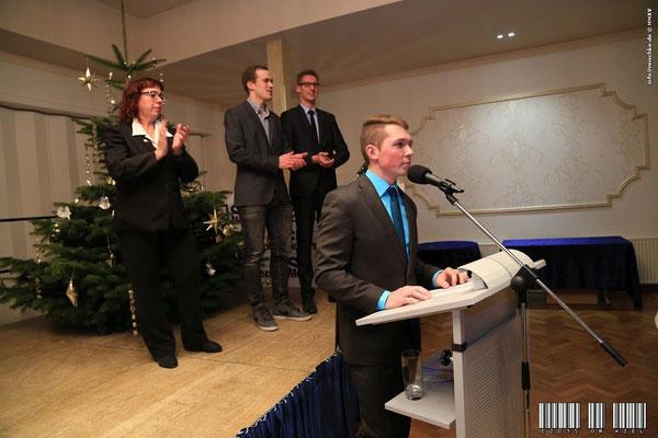 Die Schlussworte von Meisenzahl mit seinem Team im Hintergrund - Gaby Sorgenfrei, Kai Sorgenfrei und Lukas Frank (v. l.) - Bild: Oliver Reischke
