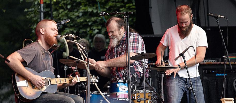 Scott Leeper ersetzt Dicharry an den Drums