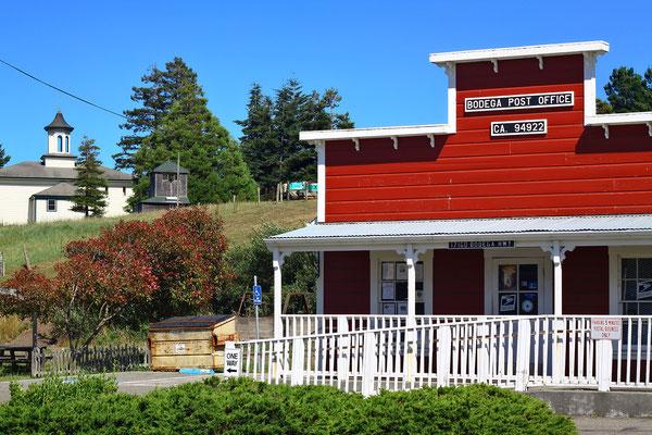 Das Schoolhouse von der Dorfmitte aus betrachtet.