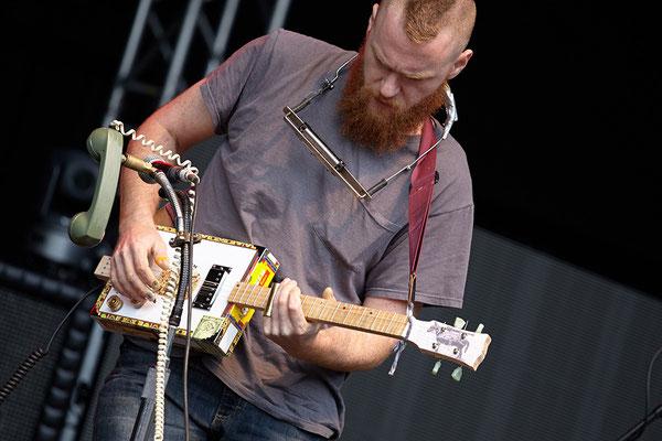 Slide-Guitar aus Zigarrenkiste