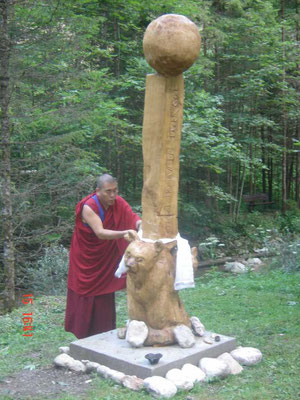 Einweihung des Friedenspfahles Geshe Njima Dapka Rinpoche Bön-Mönch