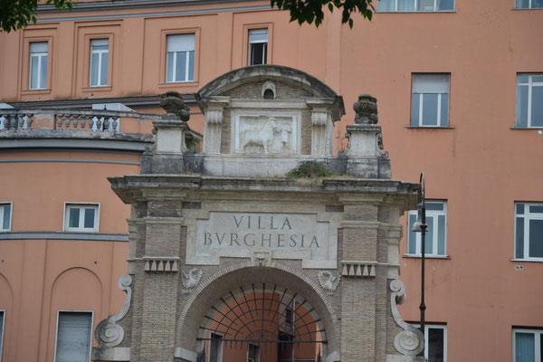 Uscita di Villa Borghese