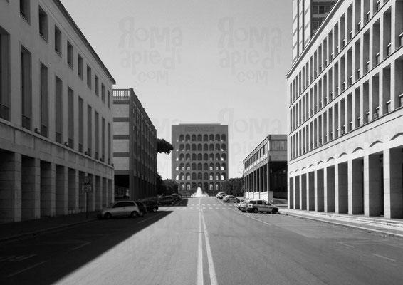 viale della Civiltà e del Lavoro: vista sul Palazzo della Civiltà e del Lavoro, Foto ©Paride Ruscitto