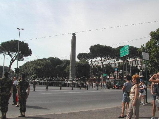 2 giugno 2002, Obelisco di Axum a Roma, Wikimedia, Licenza CC