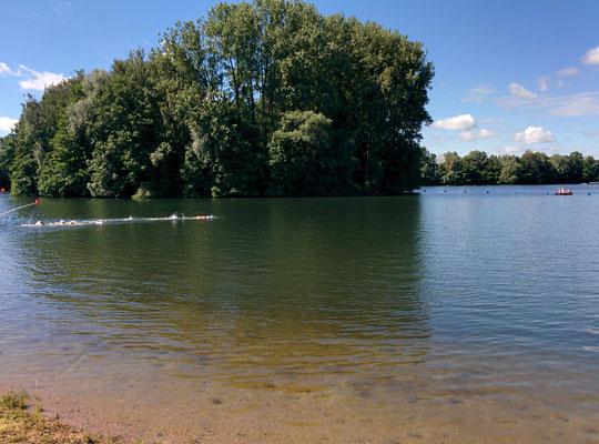 Die 5km-Schwimmer am Beginn der zweiten Runde.