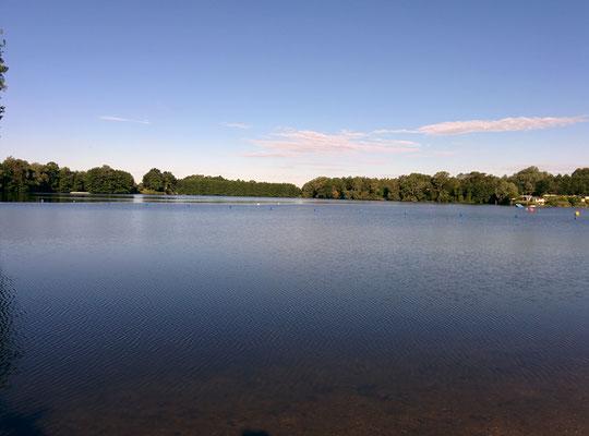 Früh am Morgen. Noch herrscht Ruhe am Friedenhain-See