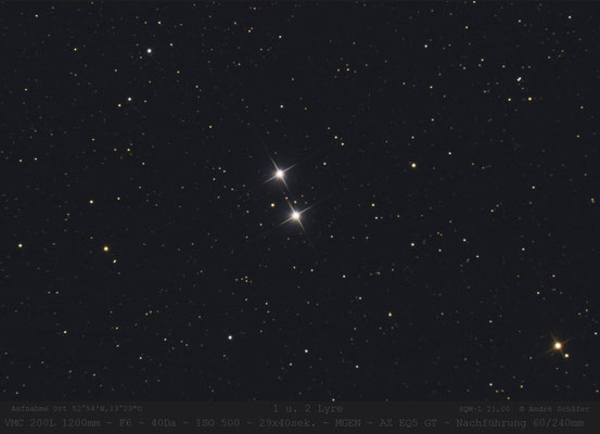 1 und 2 Lyre , Doppelsterne links von Wega