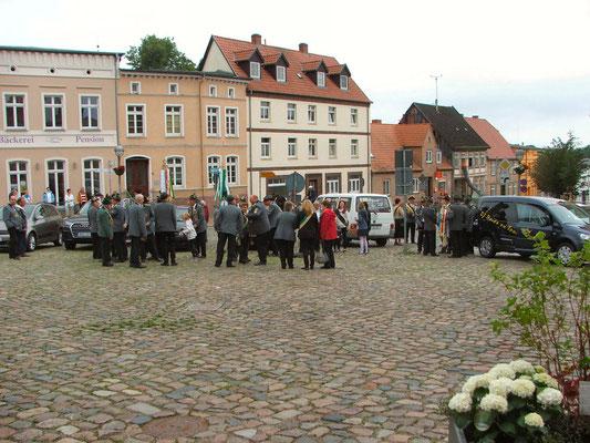 Treffen auf dem Marktplatz