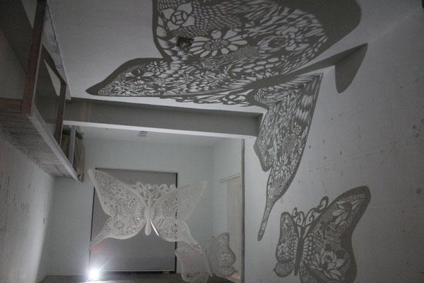 長谷川氏の蝶の影絵