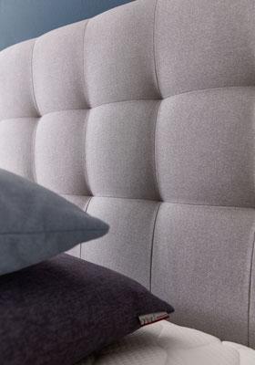 Boxspringbett 180x200 mit Design Kopfteil in grau