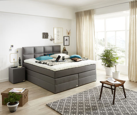 boxspringbett mit bettkasten und stauraum boxspringbetten. Black Bedroom Furniture Sets. Home Design Ideas